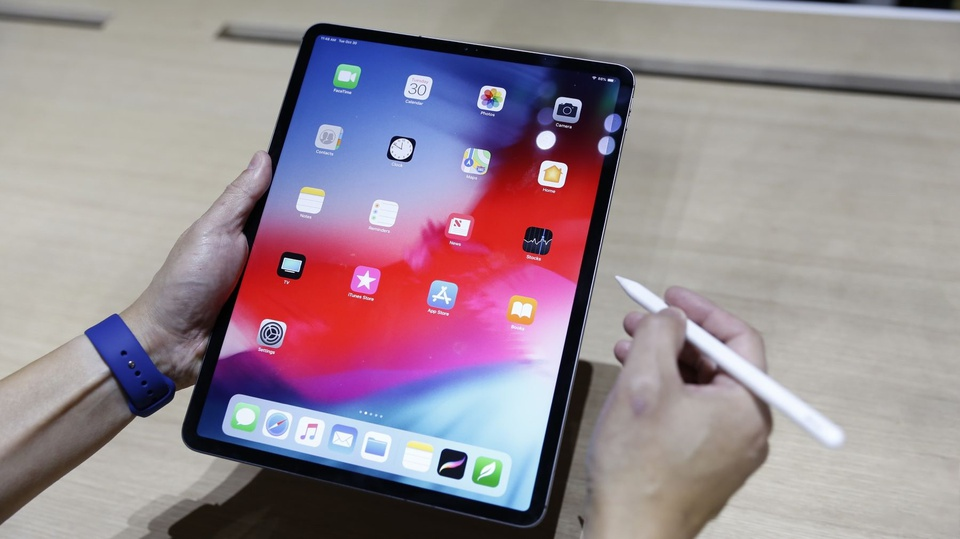 iPad Pro 2018 ra mat - cau hinh sieu manh, ho tro Face ID hinh anh 1