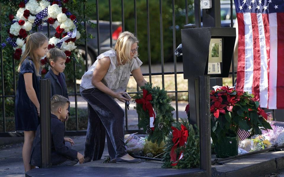 Linh cuu Bush 'cha' den Dien Capitol trong hoang hon Washington D.C hinh anh 13
