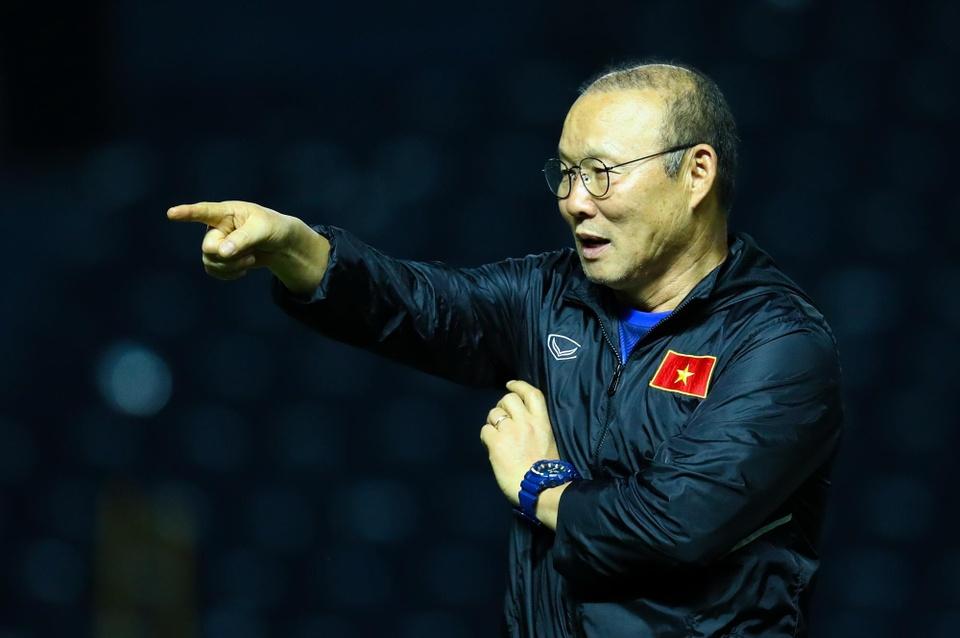 Vi sao VFF chua the gia han hop dong voi HLV Park Hang-seo? hinh anh