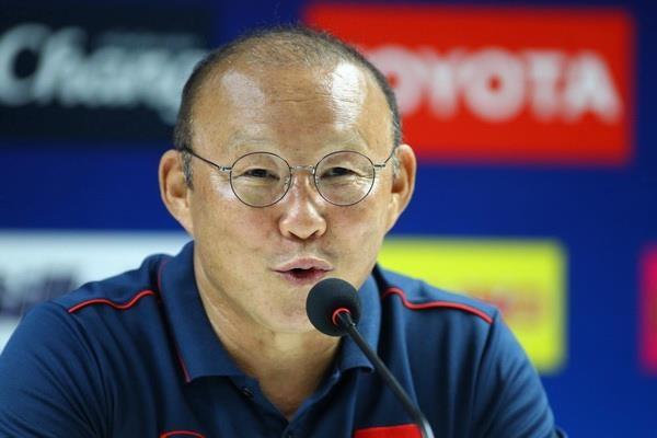 HLV Park: 'Ong Hiddink la ngon nui toi khong bao gio vuot qua' hinh anh