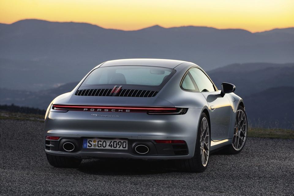 Porsche 911 the he thu 8 ra mat - dong co duoc nang cap ro ret hinh anh 4