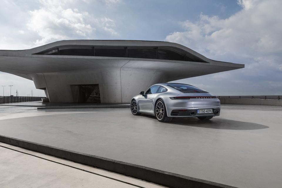 Porsche 911 the he thu 8 ra mat - dong co duoc nang cap ro ret hinh anh 3