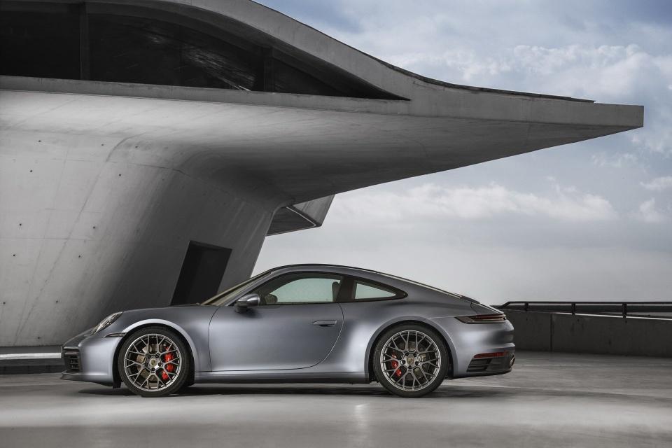 Porsche 911 the he thu 8 ra mat - dong co duoc nang cap ro ret hinh anh 7