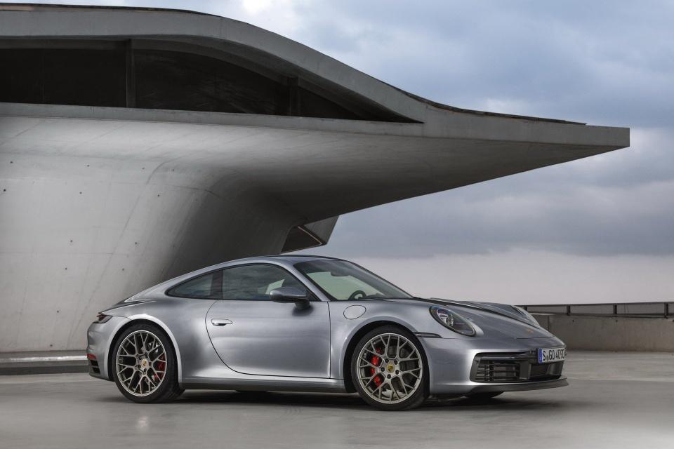 Porsche 911 the he thu 8 ra mat - dong co duoc nang cap ro ret hinh anh 2
