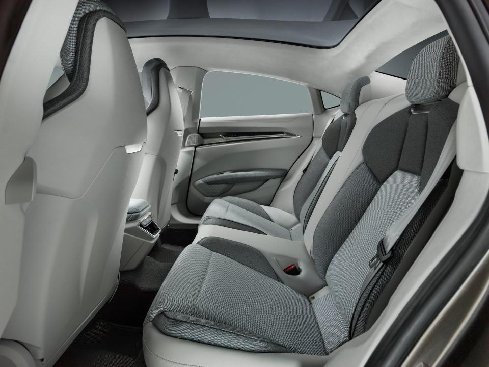Audi e-tron GT Concept - dep mat, manh me va thong minh hinh anh 9