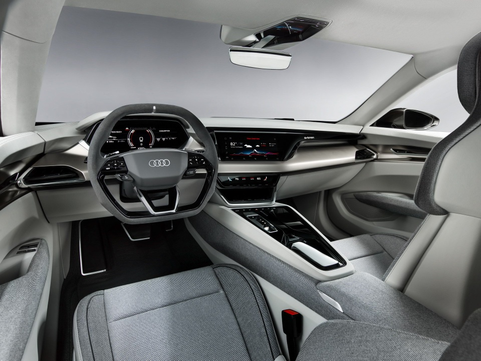 Audi e-tron GT Concept - dep mat, manh me va thong minh hinh anh 7