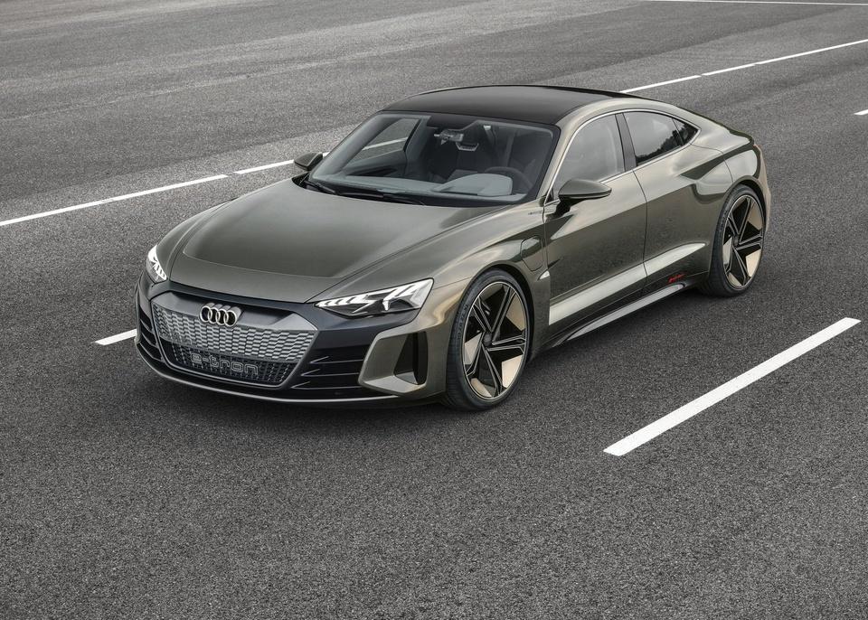 Audi e-tron GT Concept - dep mat, manh me va thong minh hinh anh 1