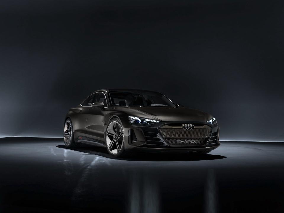 Audi e-tron GT Concept - dep mat, manh me va thong minh hinh anh 12