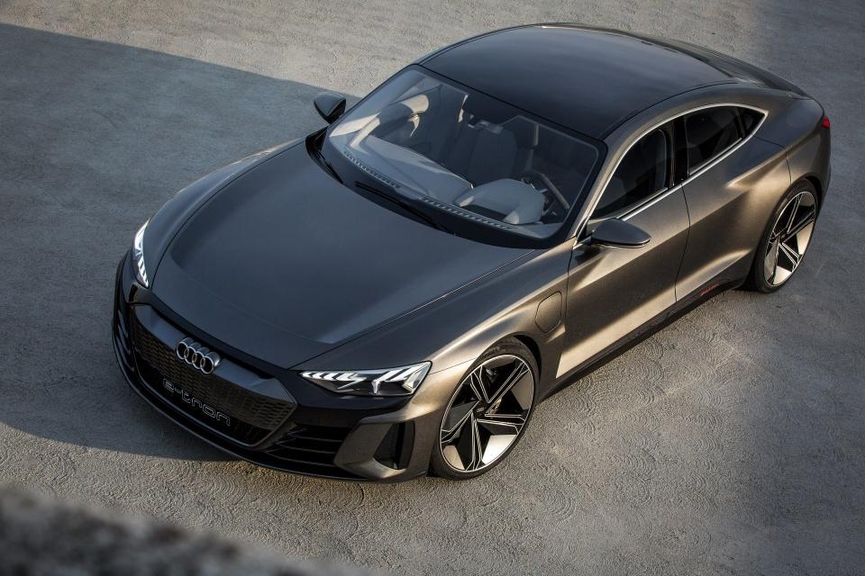 Audi e-tron GT Concept - dep mat, manh me va thong minh hinh anh 11