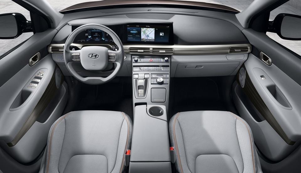 SUV chay khi hydro Hyundai Nexo gia 60.000 USD tai My hinh anh 3
