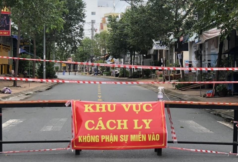 bi-phat-3-trieu-dong-vi-xuc-pham-pho-chu-tich-xa