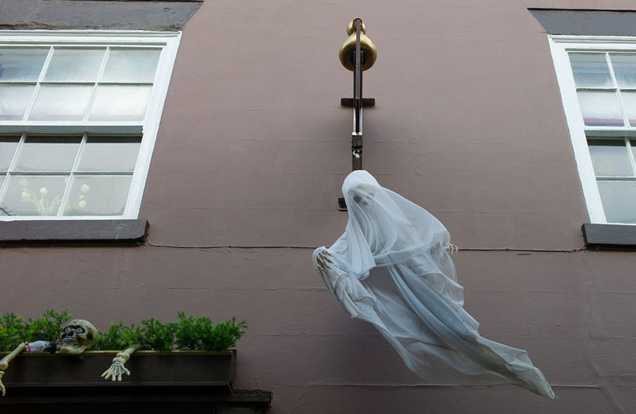 Tu A sang Au, 'ma quy' va 'phu thuy' dua nhau xuong pho mua Halloween hinh anh 7
