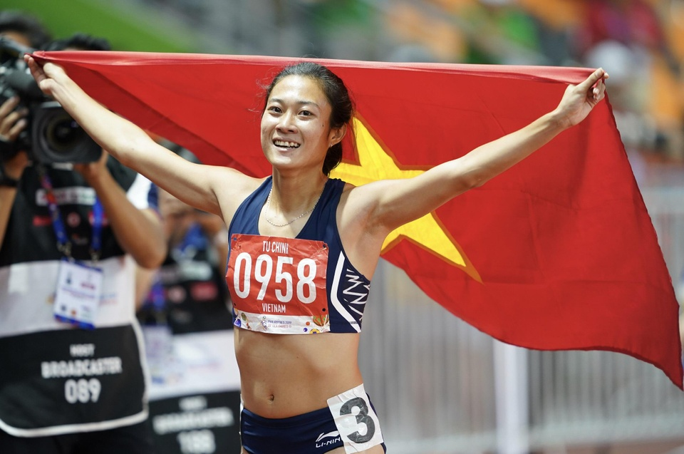 SEA Games 30: Tu Chinh vuot 2 doi thu nhap tich, gianh HCV 100 m hinh anh