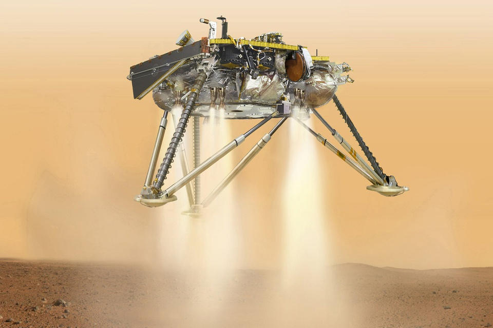 Tau vu tru NASA ha canh xuong sao Hoa sau chuyen di 6 thang hinh anh 1