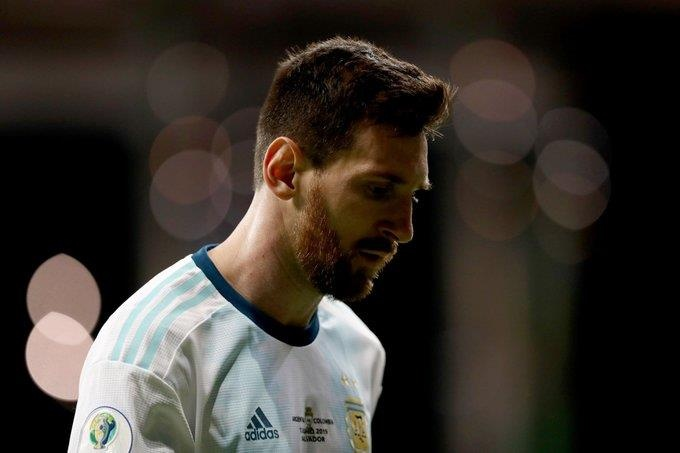 Messi gay that vong, Argentina thua 0-2 truoc Colombia hinh anh