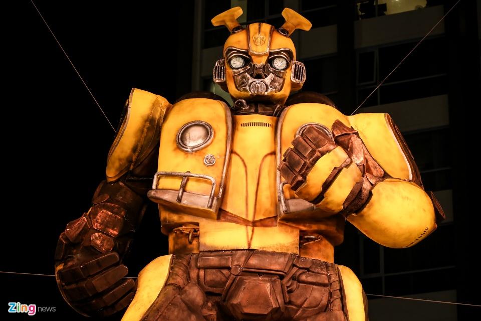 Gioi tre hao hung check-in cung mo hinh Bumblebee khong lo hinh anh 9
