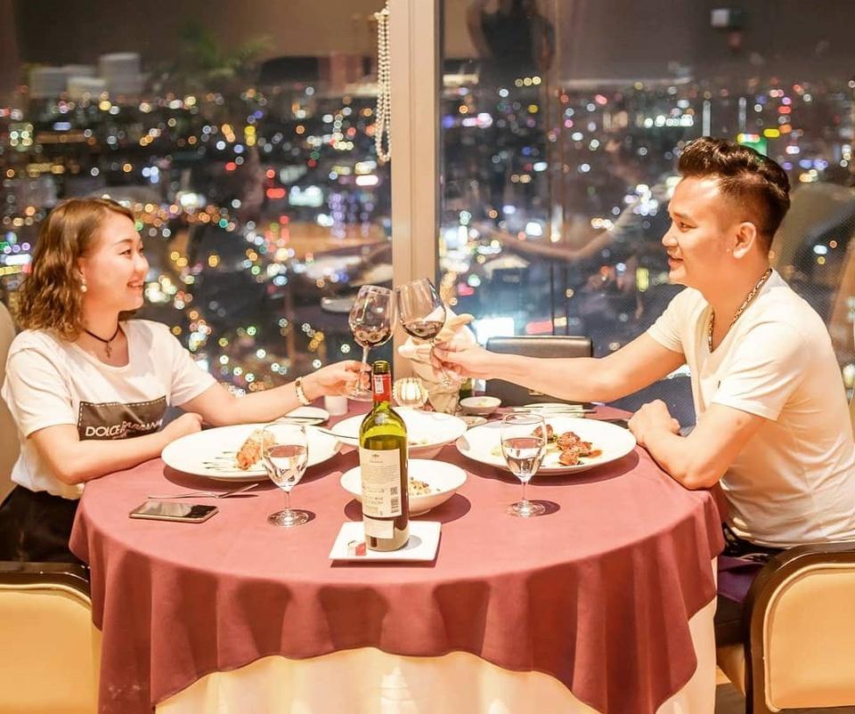 4 nha hang Au 'dang dong tien' o TP.HCM cho ban view dep ngam pho hinh anh 11