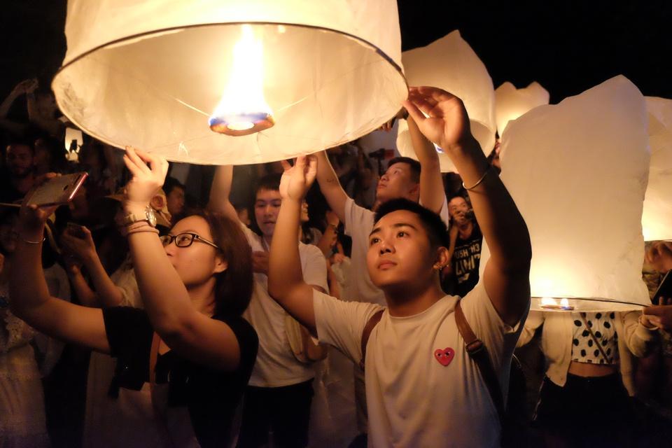 Troi dem Chiang Mai huyen ao trong le hoi den troi Yee Peng hinh anh 3