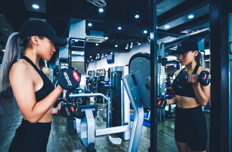 'Rap phim da duoc mo, sao phong gym van chua?' hinh anh