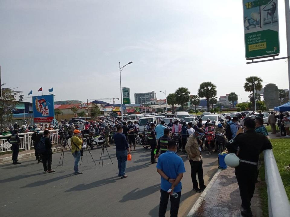 Campuchia phong toa thu do Phnom Penh anh 1