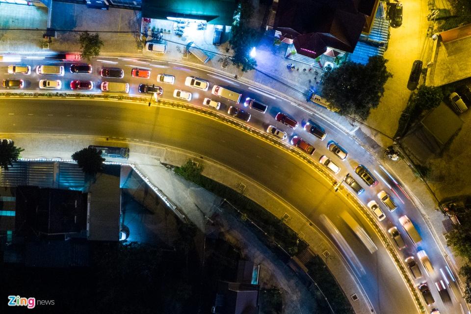 Un tac hang km cua ngo vao Thanh pho Da Lat anh 4